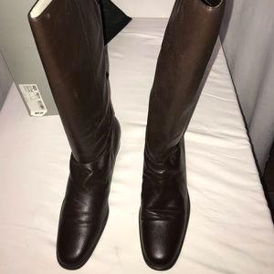 8.5 Women's Brown Boots. Brand New!